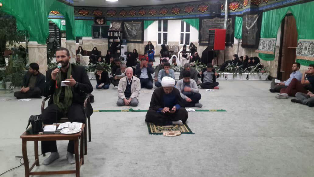 شهدا تربیت شده مکتب امام حسین (ع) هستند
